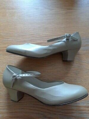 So Danca tan heeled  Shoes Size uk4