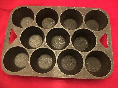 Vintage Cast Iron Made In Usa 11 Cup Muffin Popover Baking Pan Mold