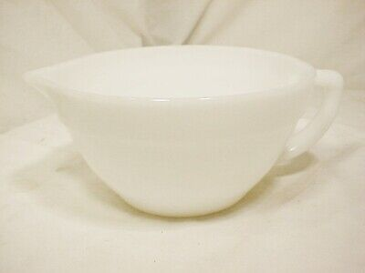 Vtg FIRE KING Oven Ware White Milk Glass 6 Cup Mixing Batter Bowl Spout FreeShip