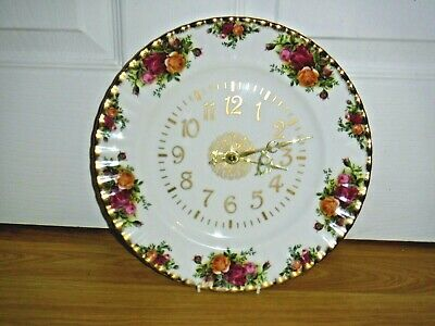 Royal Albert Old Country Roses Kitchen Clock ~ 26 cms ~ 1st ~ Excellent