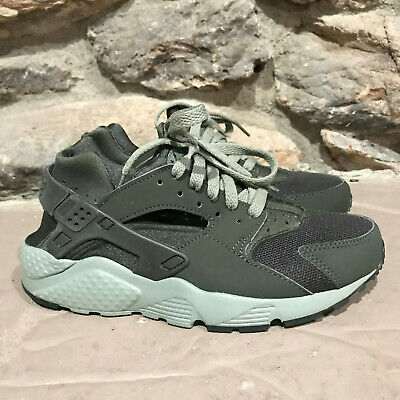 Nike Kids Huarache Run (GS) Running Shoes ( Size 5Y ) Olive running gym comfort