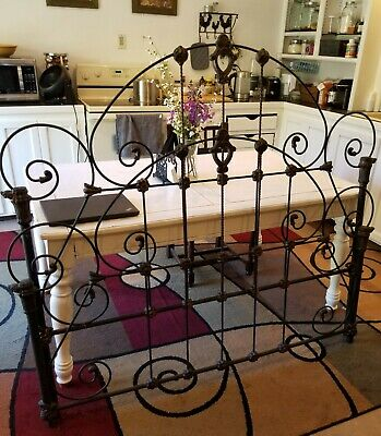 Vintage/Antique French Provincial Wrought/Cast Iron Twin Bed Headboard/Footboard