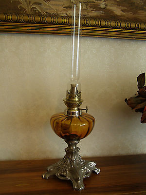 Ancienne Lampe A Petrole S.i.oil Lamp Eclairage Luminaire Old Banquet Antique