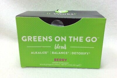 """30 Factory Sealed IT WORKS! """"Greens On The Go"""" Berry Drink Mix Packets Exp. 5/19"""