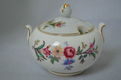 Wedgwood England DEVON SPRAYS W4076 Flowers Gold Trim Cover Lid Sugar Bowl #Z1