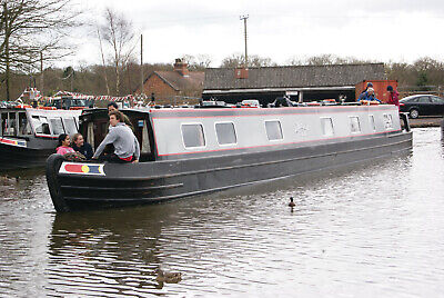 13/07/2019 - Ember - 7 night narrow boat canal barge holiday in Staffordshire