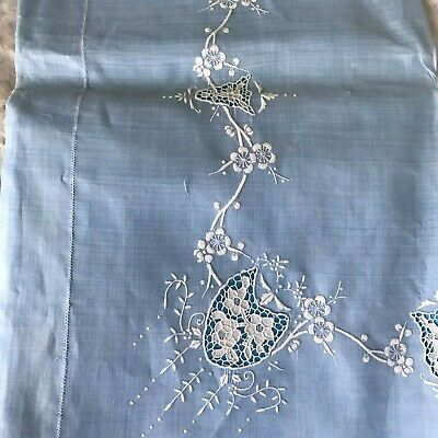 VNTGE Set of Blue Linen w White Embroidery and Cut work Tablecloth and 6 Napkins