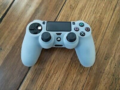 Sony DualSchock 4 Wireless Controller for PS4 Jet Black W/ Protective Cover