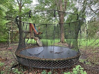 Skywalker 15-ft Round Backyard Trampoline with Enclosure - Green