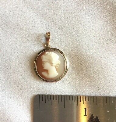 VINTAGE 14K GOLD Hand-Carved Small, Dainty Shell Cameo Pendant, Nice Condition