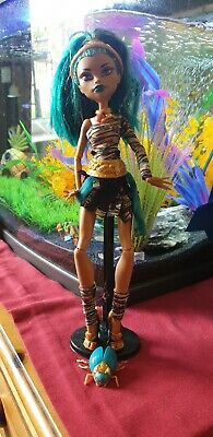 Monster High Doll - Nefera de Nile - Wave 1  . Pet- Great Condition