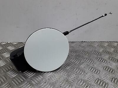 2014 Kia Ceed Fuel Flap Filler Cap Cover 81595-A2700 Tricoat White Pearl [Hw2]