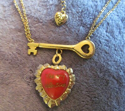 Rare BETSEY JOHNSON Vintage BE MY VALENTINE Puffy Ruffled Red Heart Key NECKLACE