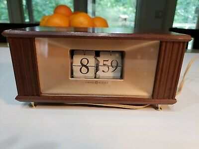 Vintage General Electric Flip Clock Mid Century GE model 8113 Wood Grain Brass