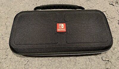 Nintendo Switch - Game Traveler Deluxe Travel Carrying Case