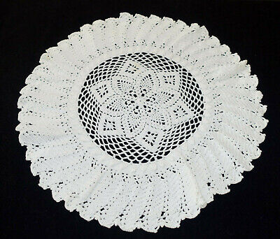 """Vintage Hand Made Hand Crochet Doily Table Scarf WHITE 17"""" Round"""