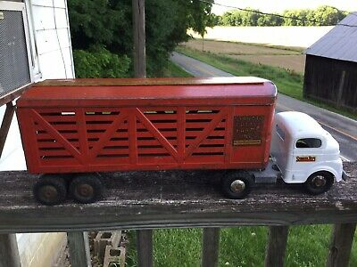 1950's Structo Cattle Farms Truck and Trailer Vintage Toy Pressed Steel