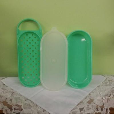 Vintage Tupperware Jadeite Green Oval Cheese Grater Keeper Container  #1375