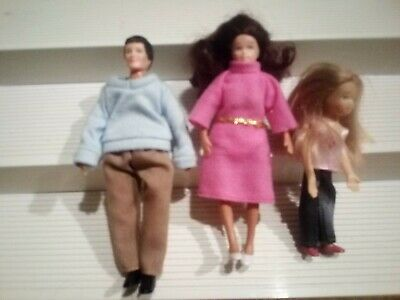 Vintage Family Figures Bendable Miniature Doll House Dolls LOT Dad MOM Daughter