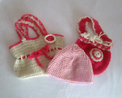 Girls 2 x Knitted Handbags & Beanie