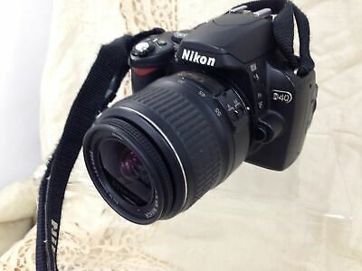 Nikon  D40 6.1MP Digital SLR Camera + AF-S DX Nikkor 18-55mm 1:3.5.6GII Lens