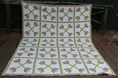 """Vtg Cotton Hand Quilted Stylized """"Tulip"""" Quilt 78 by 97 inches"""