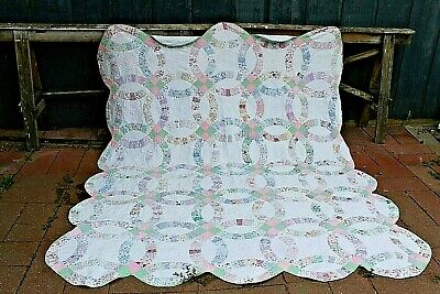 Vtg Cotton with Cotton Batting Double Wedding Ring Hand Quilted Quilt 79 by 89