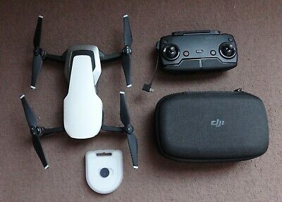 DJI Mavic Air Camera Drone  Arctic White 4 batteries + charger Great Condition