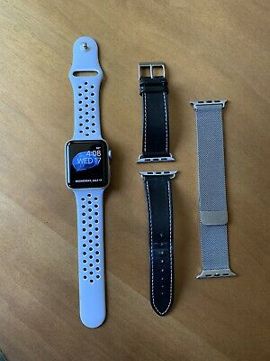 Apple Watch Series 2 Nike+ 42mm Silver Aluminum Case Platinum Band