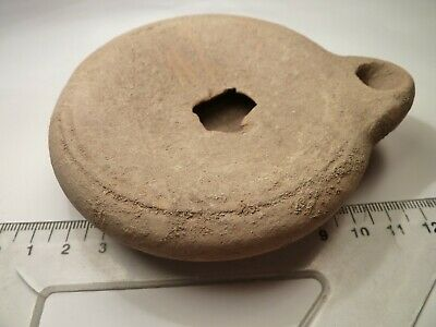 4020	Ancient Roman terracotta massive oil-lamp