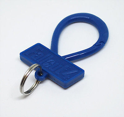 Fallout 4 llavero Keychain plastic blue metal silver replacement key ring chain