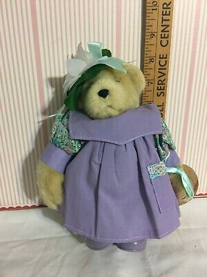 Tags Attached MUFFY VANDERBEAR Gibearny artist painter factory dressed Retired