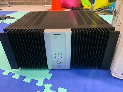 rotel amplifier RMB-1075 - 5 channel (silver and black) includes high end cables