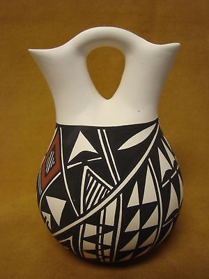 Acoma Indian Pottery Hand Painted Wedding Vase by Gloria Salvador PT0210