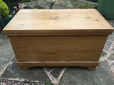 Antique blanket chest pine