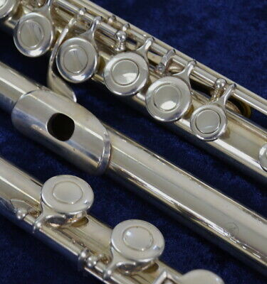 Yamaha YFL-221 Flute - Excellent Condition!