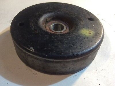 Mercedes Benz w124 e220 coupe tensioner pully 1112000070