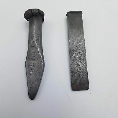 """2x Vintage Antique Solid Metal Woodworking Tools Chisel 1"""" & Triangular End"""