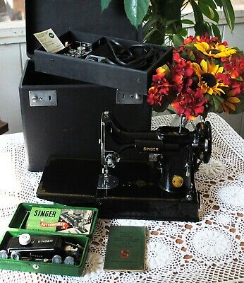Rare Mint 1948 Singer 221-1 Featherweight Sewing Machine with Accessories & Case