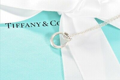 Tiffany & Co Elsa Peretti Alphabet Letter O 3 Diamond Necklace +BOX POUCH RIBBON