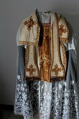 Chasuble Roman of Priest White Complete Gorgeous Work of Decor 19th