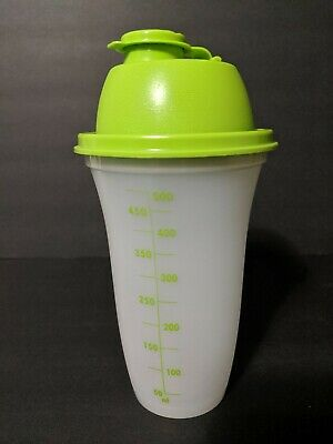 Tupperware Quick Shake Shaker Mixer 16 oz Green Used  For Parts, has hole in lid