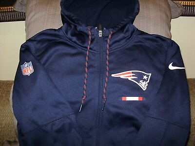 meet a4e17 7c9f4 NIKE NEW ENGLAND Patriots Therma Mens Sideline Pullover ...