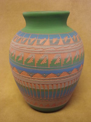 Native American Indian Hand Etched Pot by Mirelle Gilmore! Pottery Vase PT0056
