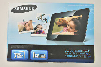 "SAMSUNG SPF-71ES  Digital Photo Frame  7"" 1GB ~ Black"