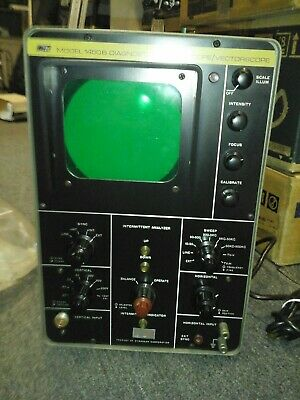 B&K Vintage Oscilloscope.  Model 1450. Works