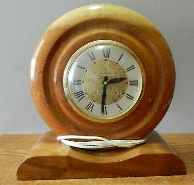 Beautiful wood Lanshire electric mantel clock in working condition