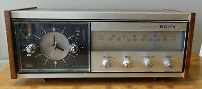 1980's Sony solid state AM/FM clock Radio Model 8FC-65W in working condition
