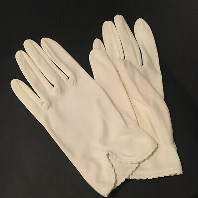 Pair Of Stylish 1950s Vintage White Nylon Gloves Sunday Best Bridal Debut