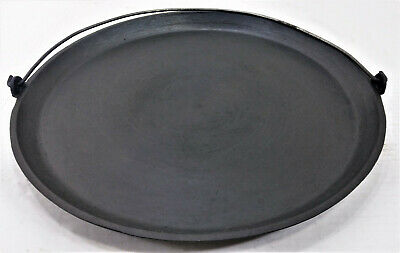 """Antique 04 Cast Iron 14"""" Hanging Round Griddle w/ Bail Handle & Gate Mark"""